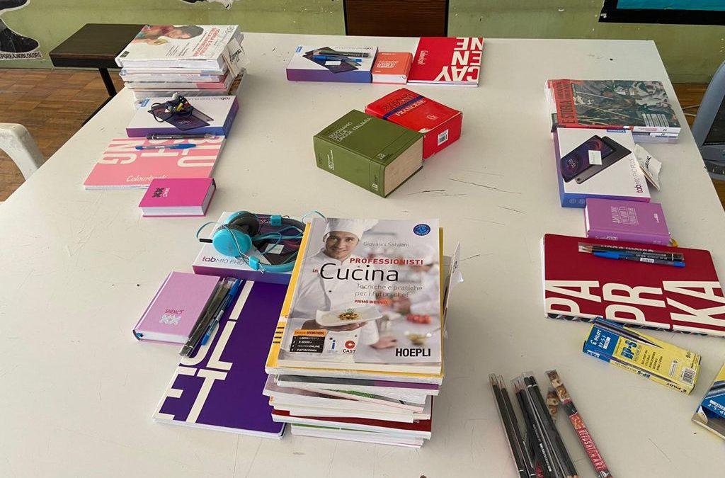 """Progetti Formativi Personalizzati Benevento : la campagna """"Il libro sospeso"""""""